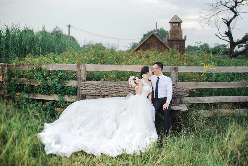 chụp ảnh cưới tại Santorini Park