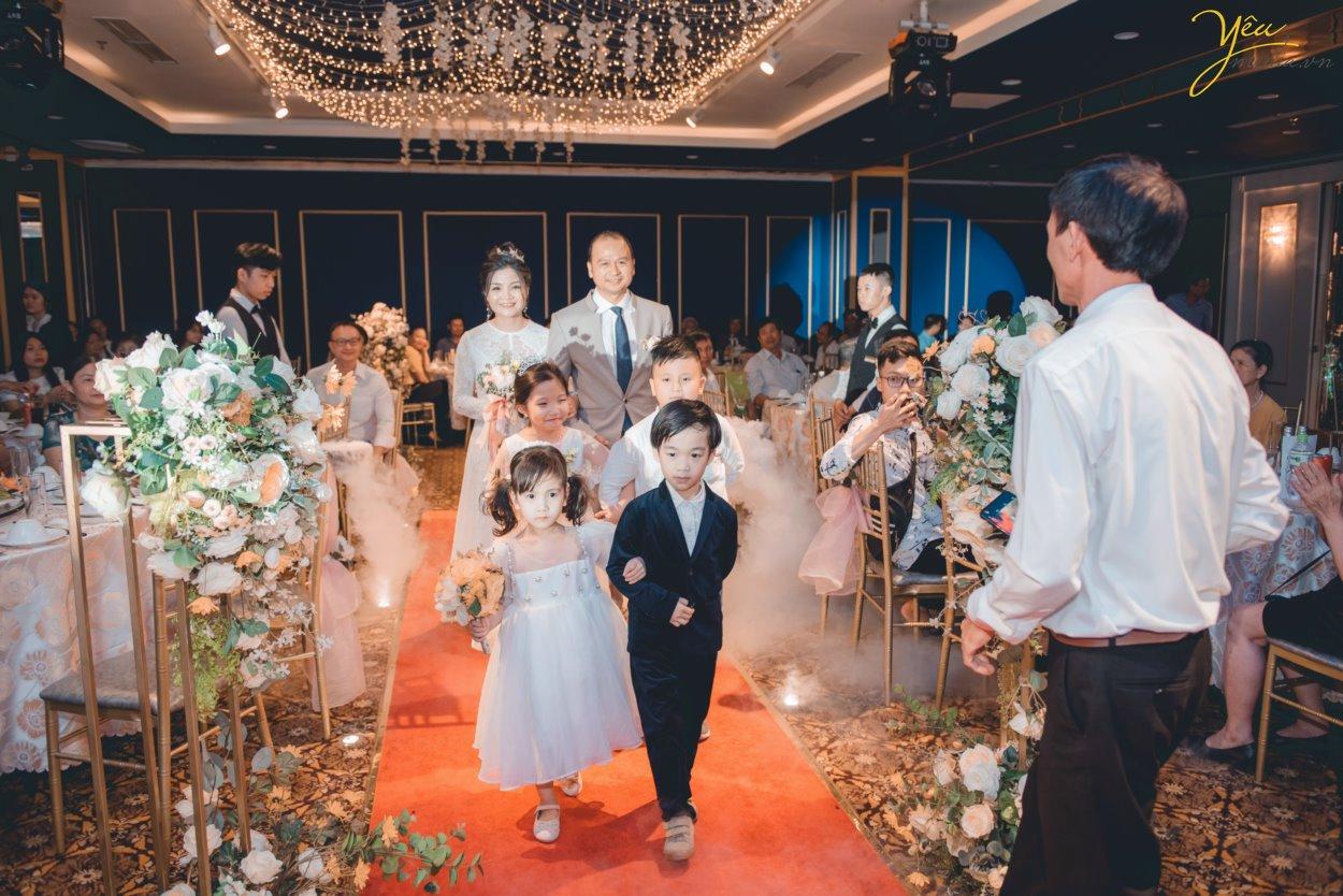Chụp ảnh phóng sự cưới tại trung tâm Trống Đồng Palace - Mê Linh Plaza Hà Đông