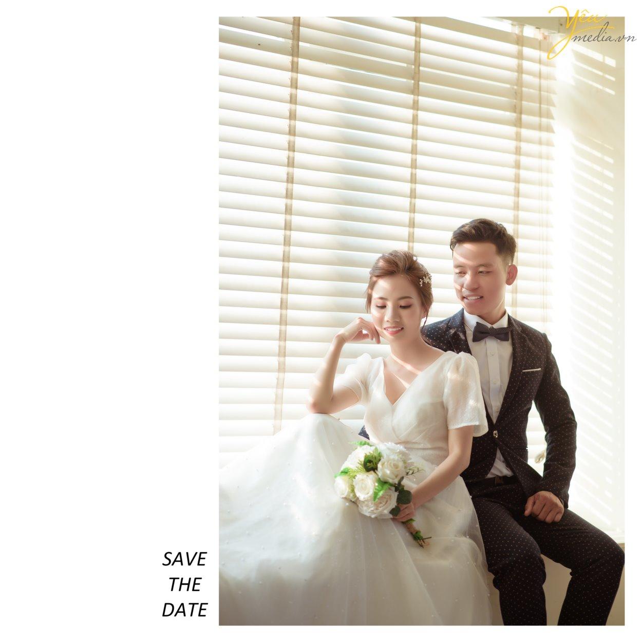 Phục sức, trang điểm hay địa điểm chụp ảnh cưới quả thật quan trọng, không chỉ khi chụp ảnh cưới phong cách Hàn Quốc mà trong chụp hình cưới nói chung. Thế nhưng, điều quan trọng nhất để tạo nên cái chất lãng mạn xứ kim chi trong bộ ảnh chính là concept chụp.  Bộ album cưới đẹp là khi người xem cảm thấy phảng phất nét Hàn Quốc và vẫn giữ được vẻ đẹp tự nhiên của cô dâu chú rể. Và concept, hay ý tưởng, nội dung của bộ ảnh chính là yếu tố quyết định cảm giác này.