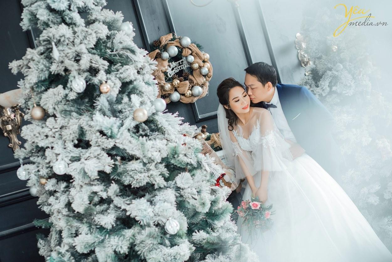 chụp hình cưới mùa đông có khuyến mãi album
