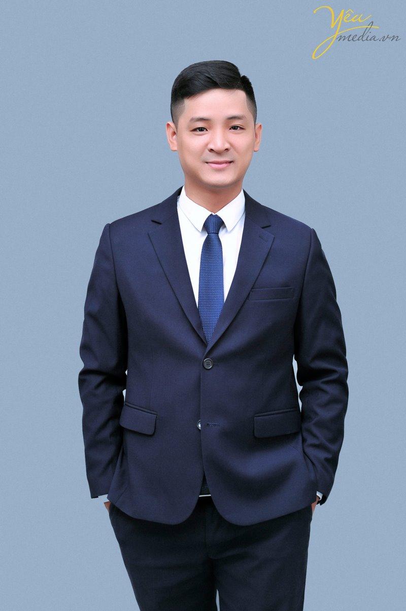Chụp ảnh profile chân dung doanh nhân Hà Nội  hướng dẫn cách chụp hình tạo dáng đẹp nhất cho nam giới trong studio