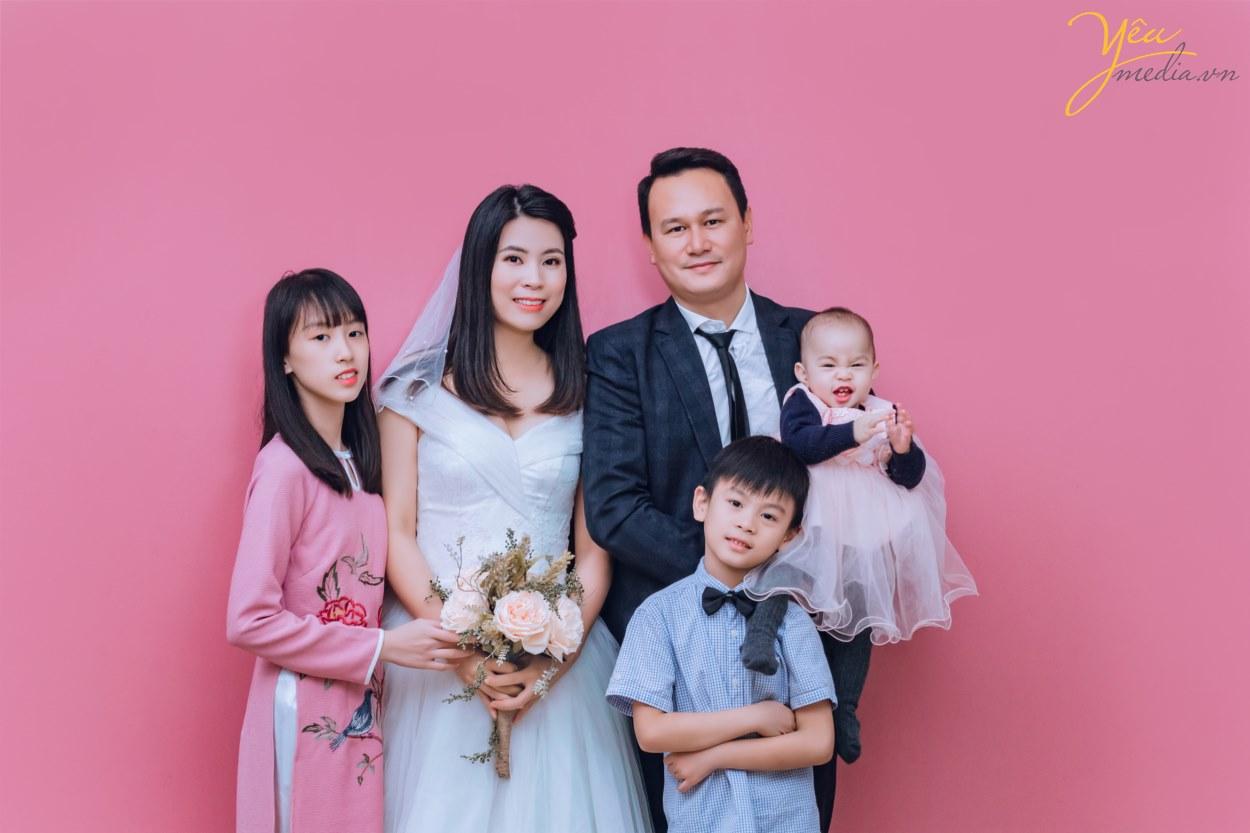 Mách bạn địa điểm chụp ảnh gia đình giá rẻ ở Hà Nội