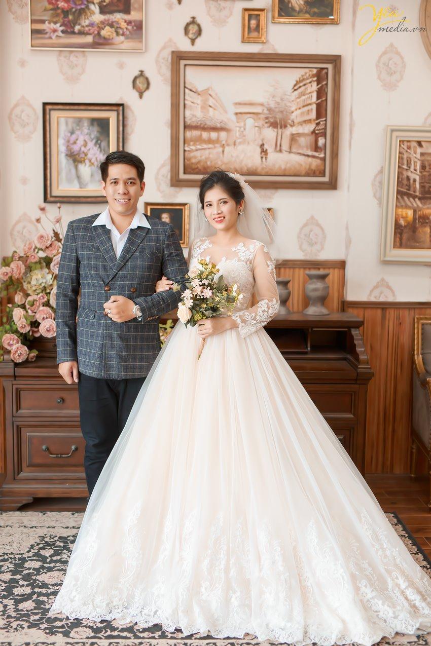 Dịch vụ trọn gói chụp ảnh cưới, makeup, trang phục cô dâu chú rể phim trường Santorini park