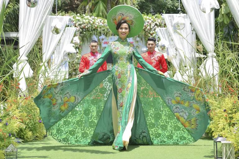 6 phong cách cô dâu hot nhất mùa cưới 2018