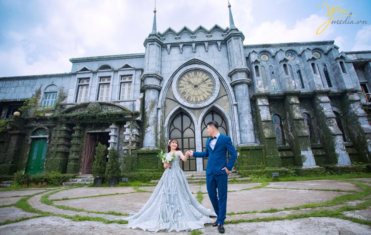 Trọn gói chụp ảnh cưới tặng ảnh phóng tại phim trường Smiley Ville đông anh hà nội