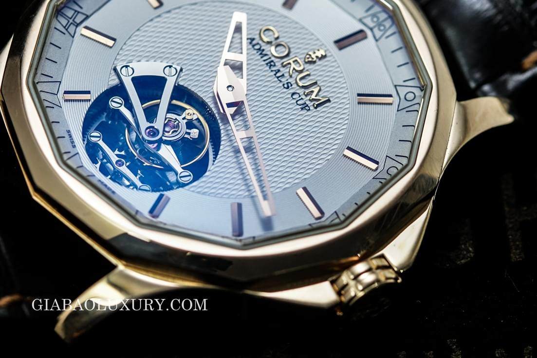 Review đồng hồ Corum Admiral's Cup Legend 42 Tourbillon Micro-Rotor