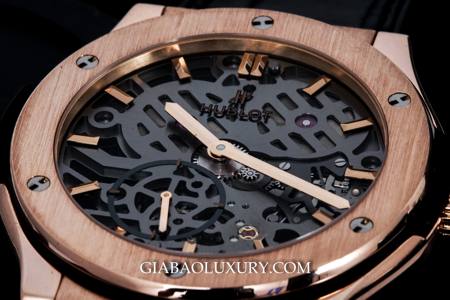 Review đồng hồ Hublot Classic Fusion Ultra-Thin Skeleton King Gold