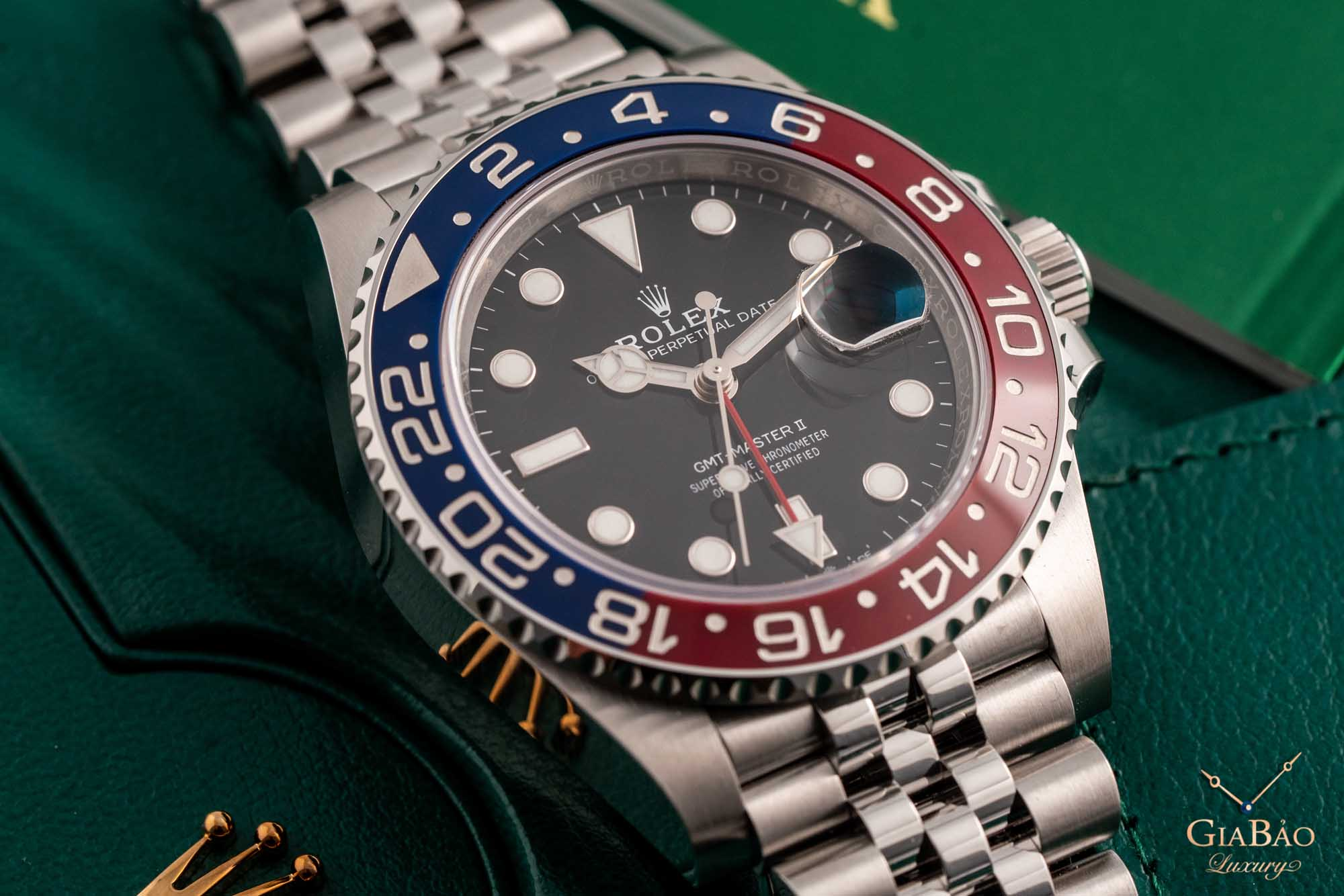 "Review đồng hồ Rolex GMT-Master II ""Pepsi"" 126710BLRO"