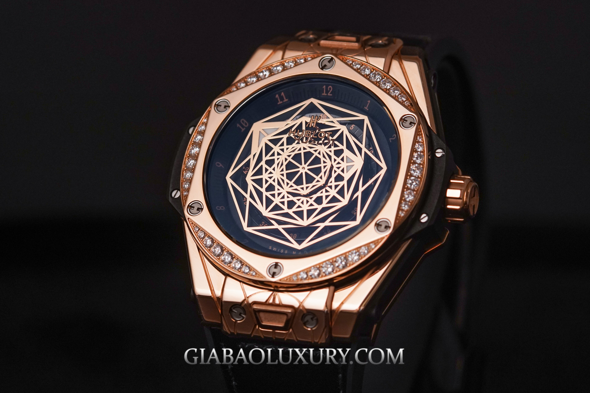 Review đồng hồ Hublot Big Bang Sang Bleu