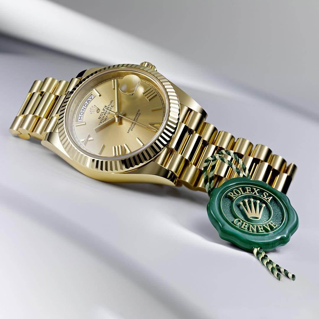 Đồng hồ vàng đúc nguyên khối 18k