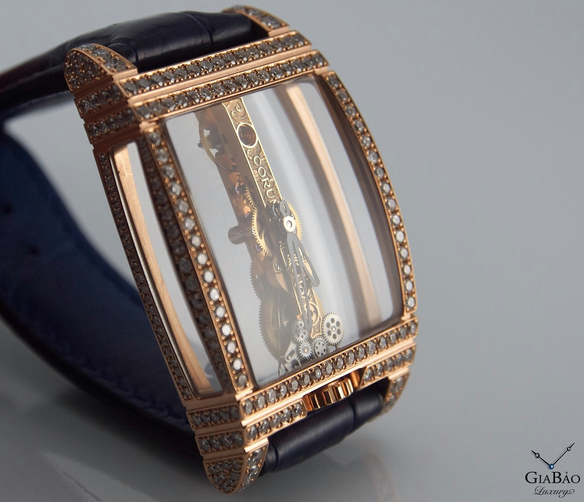 Đồng Hồ Corum Golden Bridge Full Diamond