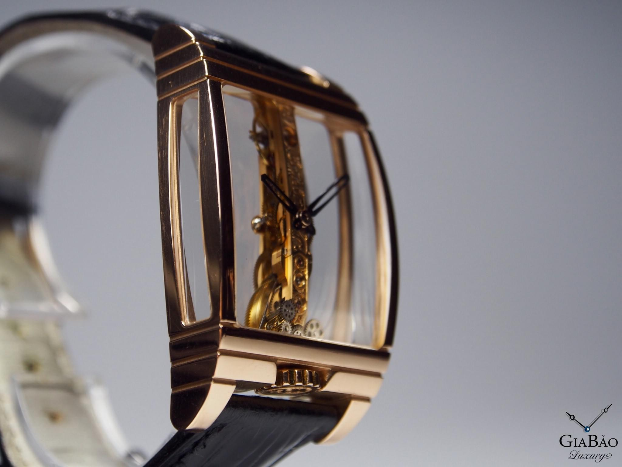 Đồng Hồ Corum Golden Bridge