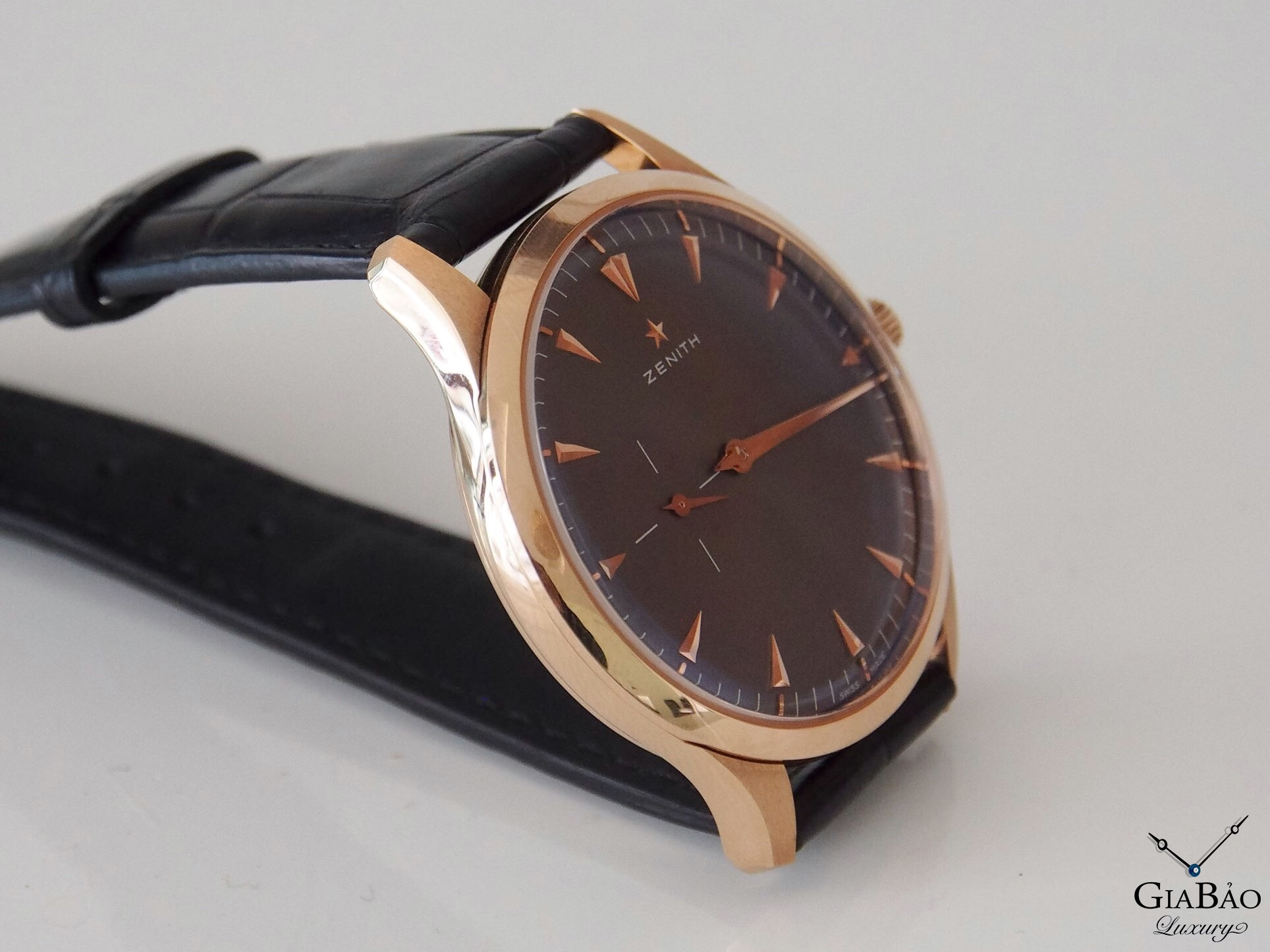 Đồng Hồ Zenith Heritage Ultra Thin Black Dial 18kt Rose