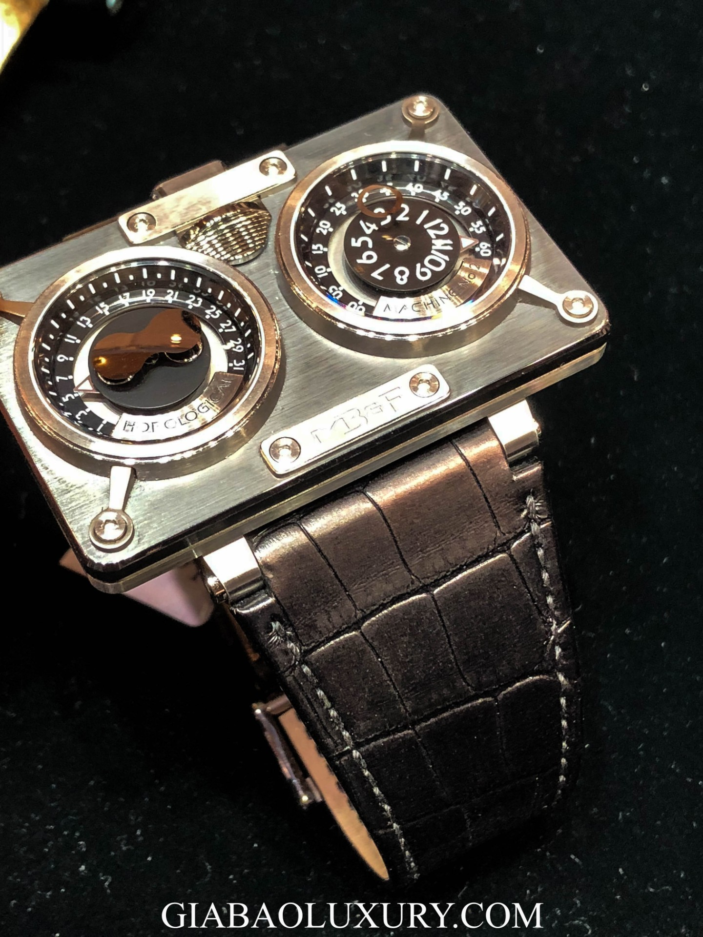 Đồng Hồ MB&F Horological Machine No.2 20.DTCIT
