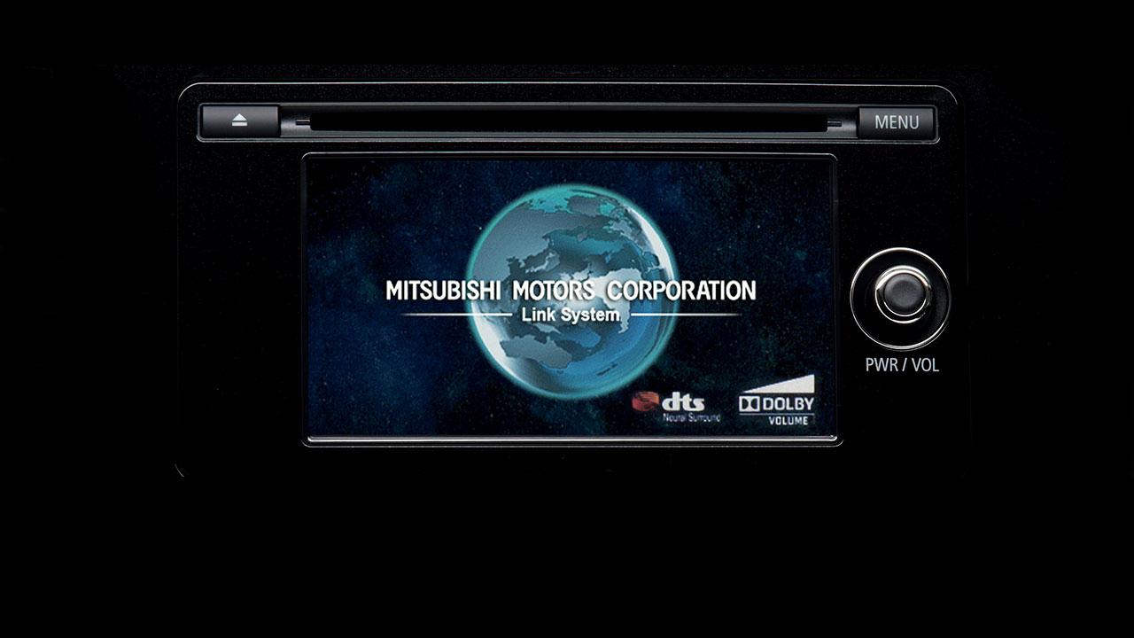 Hệ thống giải trí xe Mitsubishi Outlander 2.0 STD 2018