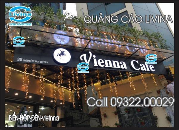 Mẫu biển chữ nổi đẹp cho quán cafe -Vienna Cafe