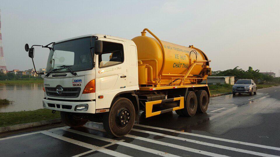 Xe chuyên dùng môi trường hút bùn