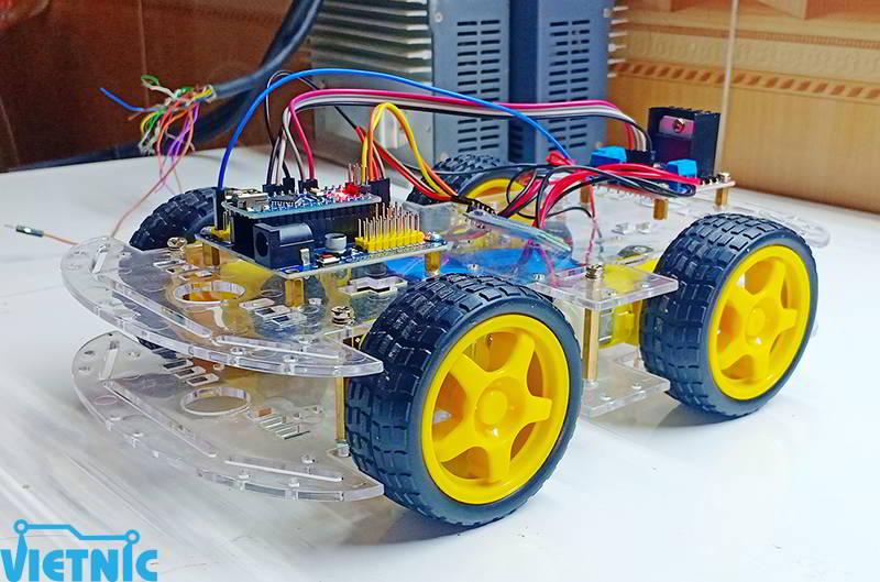 XE ROBOT 4 BÁNH