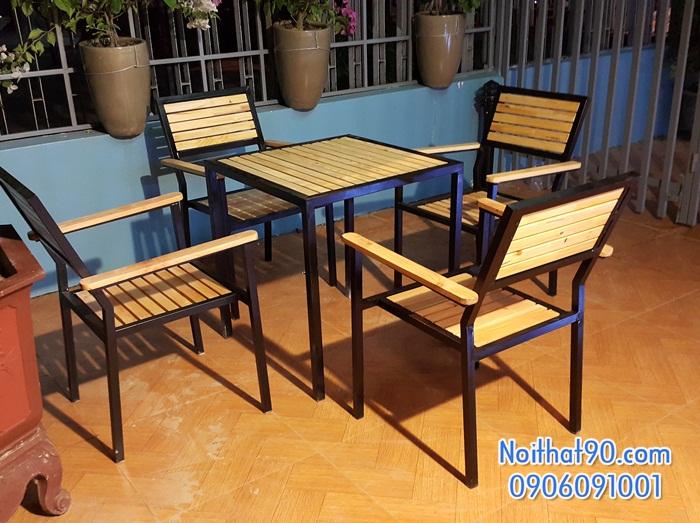 Bàn ghế chân sắt mặt gỗ 4333