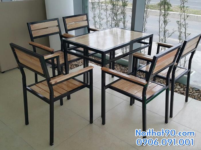 Bàn ghế chân sắt mặt gỗ 5705
