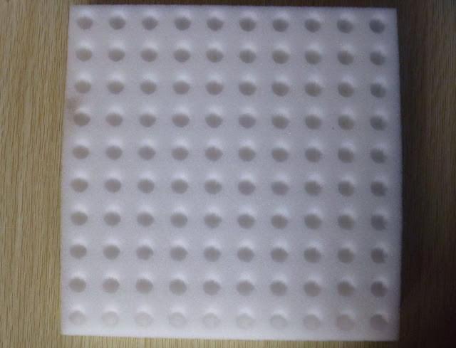 Xốp ươm hạt có lỗ 100 miếng nhỏ