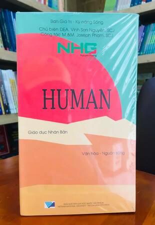 Bộ sách Giáo dục nhân bản: Văn hóa - Nguồn sống