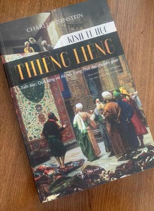 Kinh Tế Học Thiêng Liêng: Tiền bạc, Quà tặng và Xã hội trong thời đại chuyển giao - Charles Eisenstein