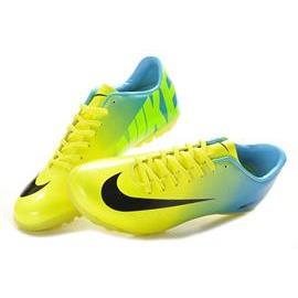 Giầy bóng đá Nike