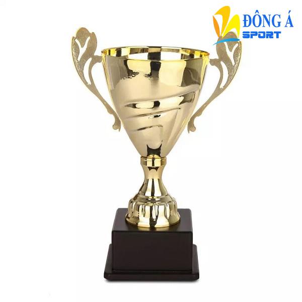Cúp vàng vinh danh MXG0003