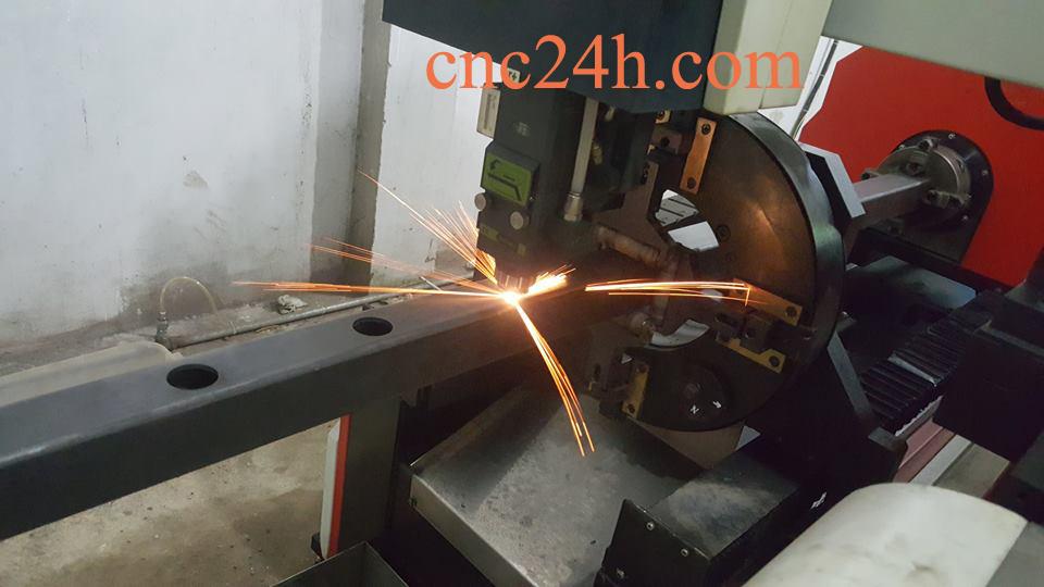 gia công cơ khí bằng máy laser fiber