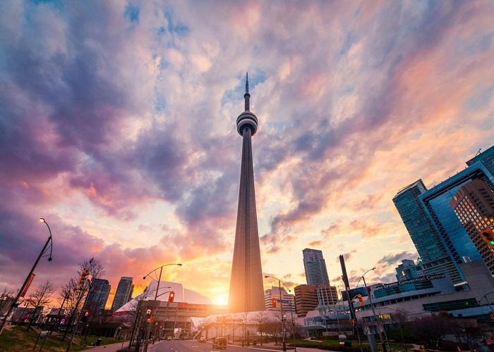 Tháp truyền hình CN Tower