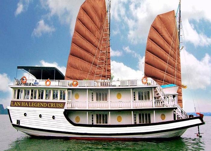 Du thuyền Lan Hạ Legend