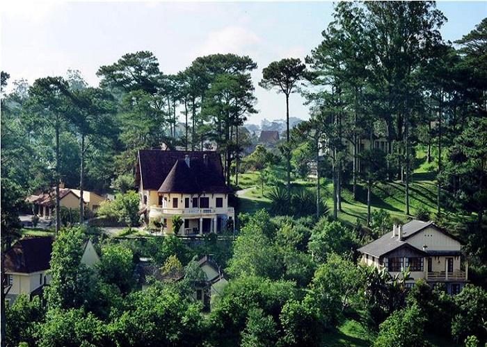 Làng biệt thự cổ Pháp