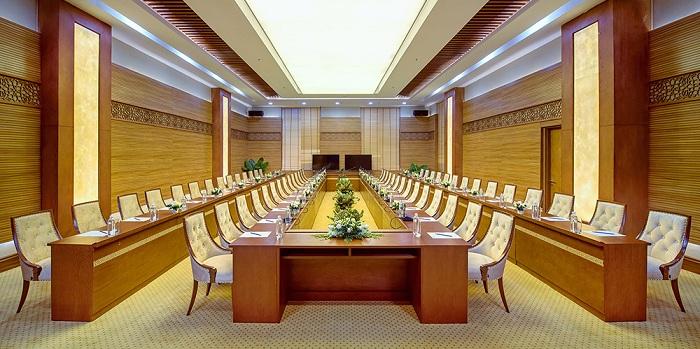Phòng họp hội nghi được trang bị các thiết bị tối tân nhất