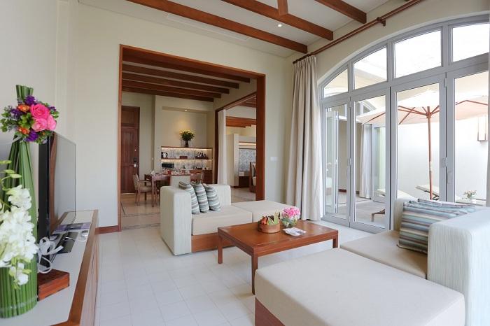 Phòng khách FLC Hạ Long Resort rộng rãi, tiện nghi thoáng mát