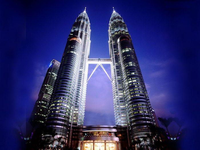 Tòa tháp đôi Petronas tại thủ đô Kualalumpur