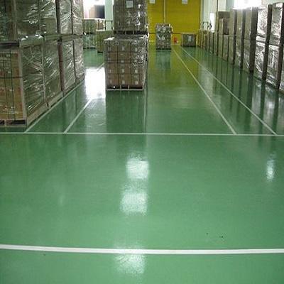 Thi công sơn Epoxy chống trơn trượt cho nền sàn bê tông