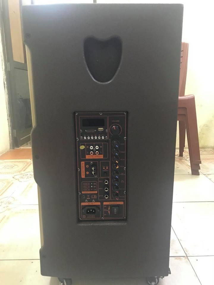 Bảng điều khiển loa kéo Bose GK302