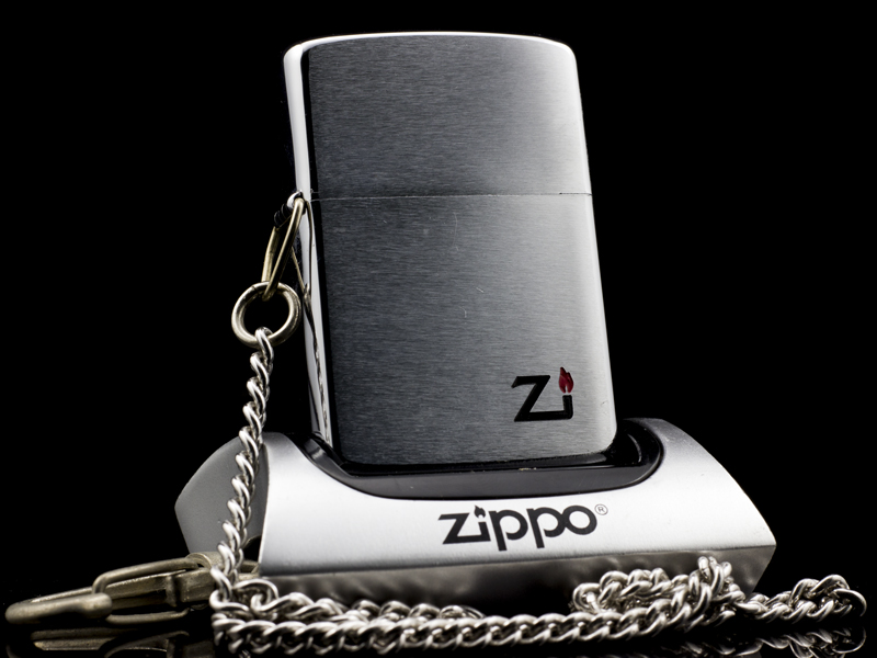 zippo-co-hooked-brushed-chrome-1-gach-1980