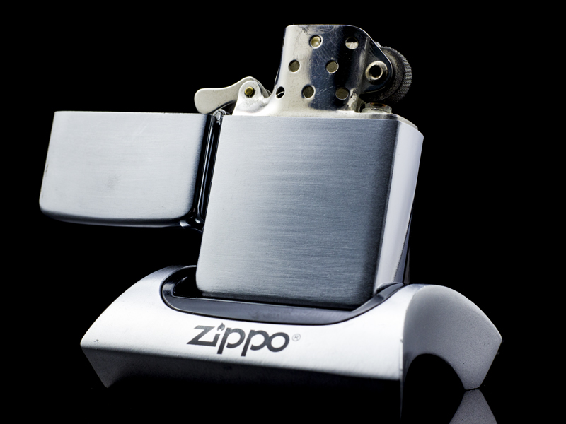 Zippo-co-brushed-chrome-47-49-chinh-hang