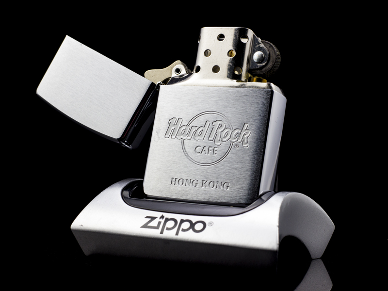 Zippo-La-Ma-Hard-Rock-Cafe-Hong-Kong-XIII-1997-co