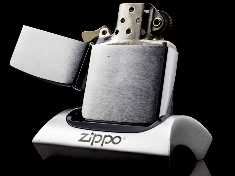zippo-co-brushed-chrome-1964-doi-cham-USA