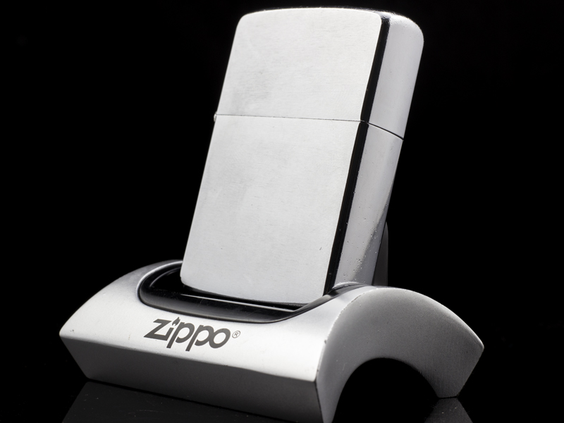 Zippo-co-brushed-chrome-1962-chinh-hang