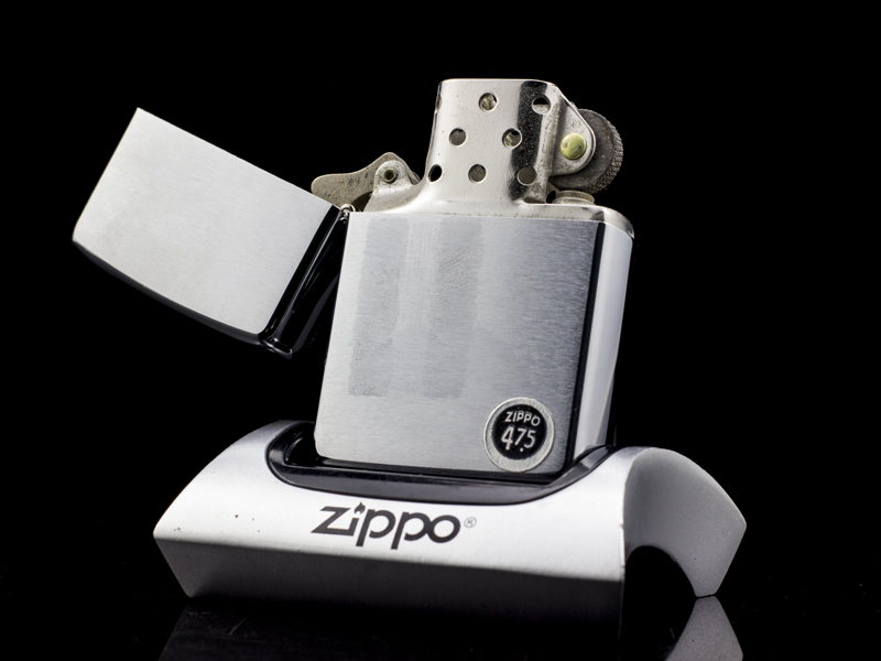 zippo-co-brushed-chrome-6-gach-1976-hiem