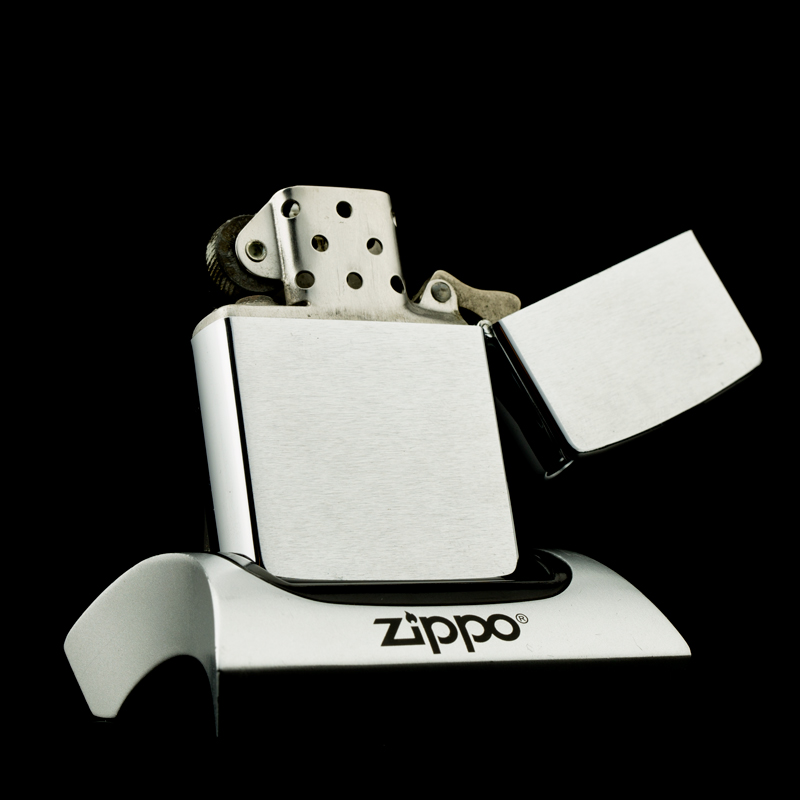 hot-quet-zippo-1980-canada-brushed-chrome-hiem