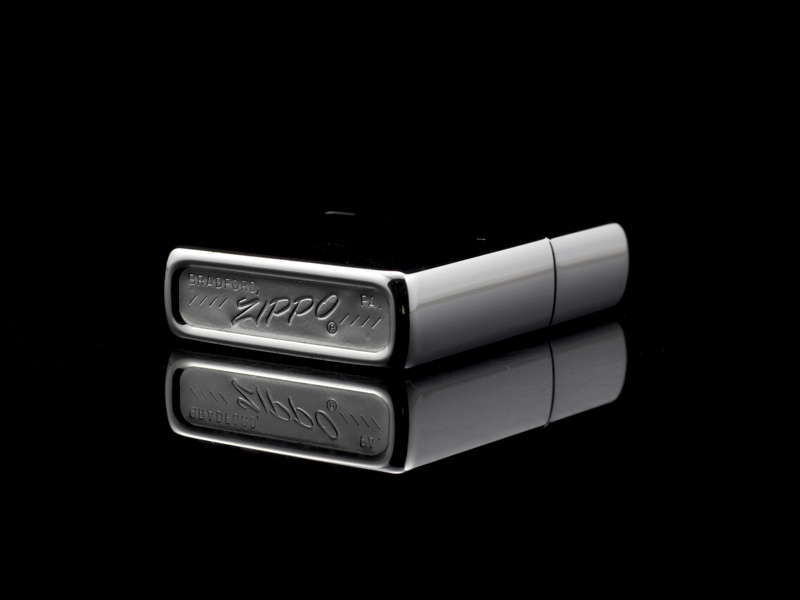 zippo-co-high-polish-chrome-8-gach-1974-nhap-khau