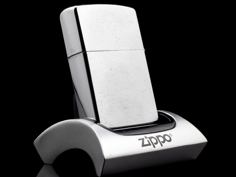 Zippo-co-7-gach-brushed-chrome-1983-my