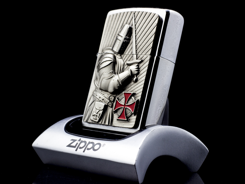 Zippo-templer-crusader-limited-edition-2013-chinh-hang