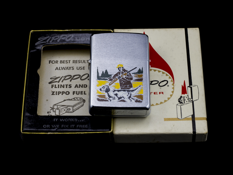 zippo-co-hunter-and-dog-2-gach-thang-1972-chinh-hang-my-nhap-khau-my