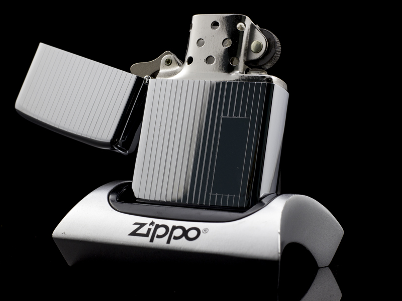Zippo-engine-turn-co-6-gach-1976-6-gach-chinh-hang